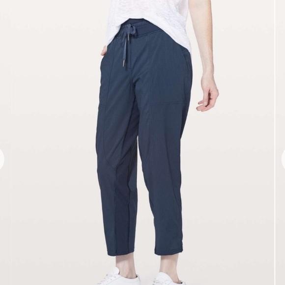 lululemon athletica Pants - Lululemon navy blue studio dance pants sz 8